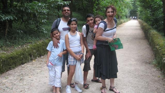 תמונה משפחתית בכניסה ליעק בוסקו